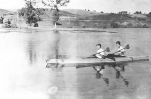 Anykstos tvenkinys 1954 Karolis ir aš nuotr. P.Kugio